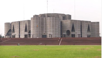 JS goes into budget session this afternoon