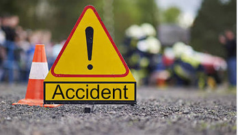 Auto rickshaw-minibus collision kills 2 in Habiganj