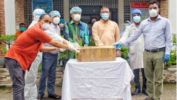 Foreign minister donates 2 ventilators to Shamsuddin Hospital