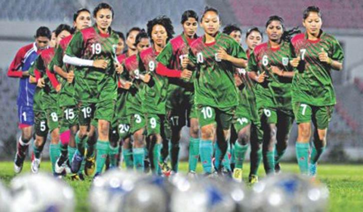 নারী ফুটবলারদের জন্য বাফুফের 'মেইক ইট কাউন্ট' কর্মসূচি