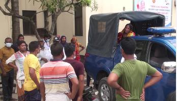 মসজিদ কমিটি নিয়ে `দ্বন্দ্বে' যুবক খুন,আটক ২ নারী