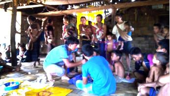 বান্দরবানে হাম রোগে ৭০৩ শিশুকে টিকা প্রদান