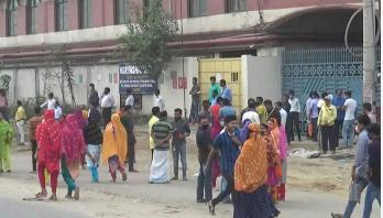 গাজীপুরের পোশাক কারখানাগুলোতে ছুটি ঘোষণা