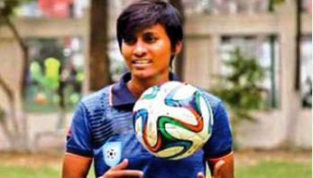 নারী ফুটবল দলের অধিনায়ক সাবিনার পরিবারের উপর হামলা