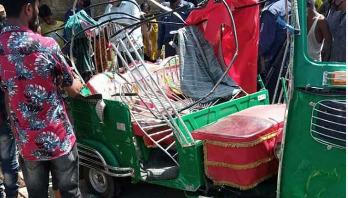 ময়মনসিংহে সড়ক দুর্ঘটনায় ২ পোশাক শ্রমিক নিহত