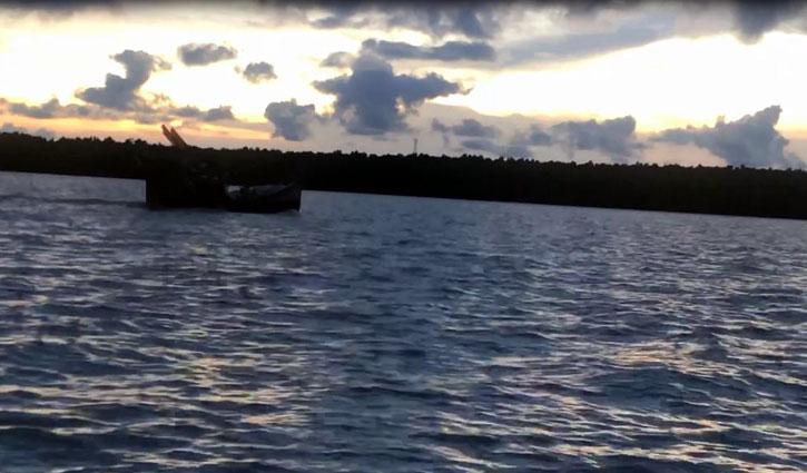 উত্তাল বঙ্গোপসাগর: সুন্দরবনে আশ্রয় নিয়েছে জেলেরা