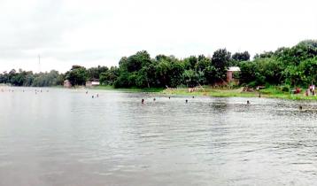 কুমারখালীতে ৩০ লাখ টাকার মাছ লুটের অভিযোগ