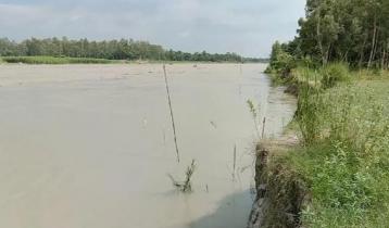 মানিকগঞ্জে বাড়ছে পদ্মা-যমুনার পানি, দুর্ভোগ