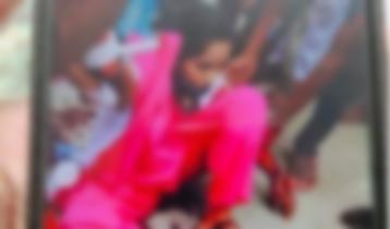 কলেজ ছাত্রীকে ফিল্মি স্টাইলে কোপালো সাবেক স্বামী