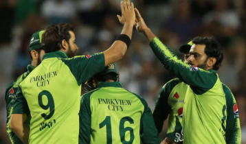 চমক ছাড়াই পাকিস্তানের বিশ্বকাপ দল ঘোষণা