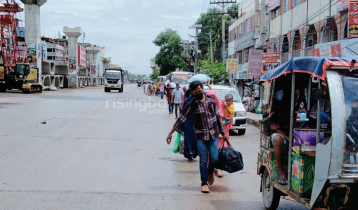 Garment workers returning to Dhaka on 'news of opening factories'