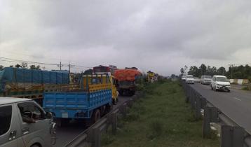 20-km traffic jam on Dhaka-Tangail highway
