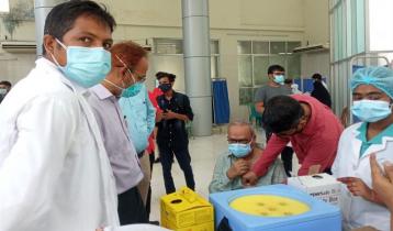 Rizvi takes 1st dose of Covid vaccine
