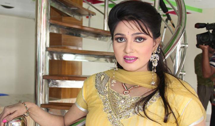 Actress Eka detained