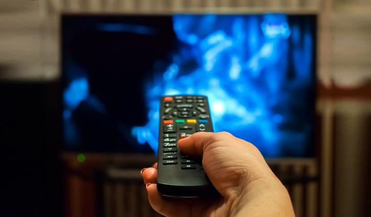 বেশিক্ষণ টিভি দেখলে নাক ডাকার ঝুঁকি বাড়ে: গবেষণা