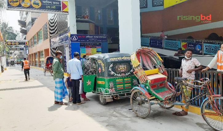 যানবাহন সংকটে ভোগান্তিতে রোগী-স্বজনরা