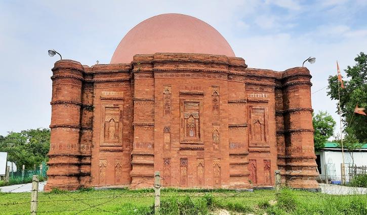 ৫০৮ বছরের ইতিহাস যে মসজিদকে ঘিরে