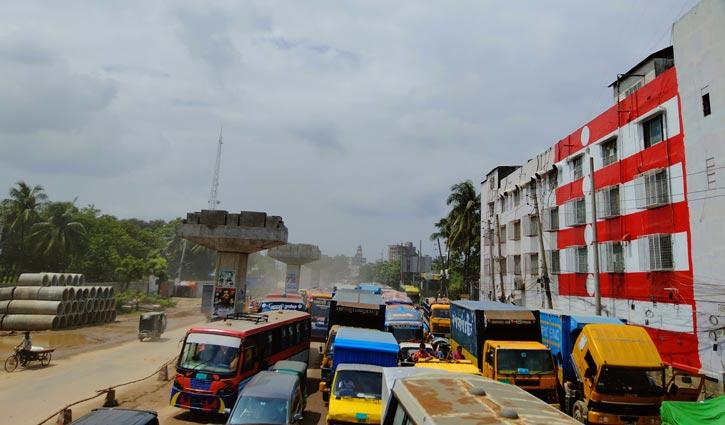 ঢাকা-ময়মনসিংহ মহাসড়কে ১২ কিলোমিটার যানজট