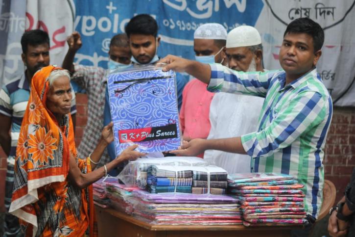 ১০০ পরিবারকে সিঙ্গাপুর প্রবাসী ব্যবসায়ীর ঈদ উপহার