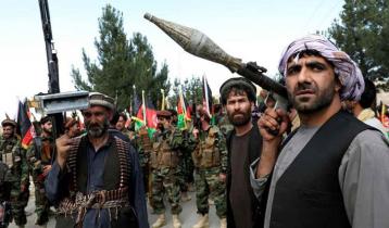 অস্ত্র তুলে নিচ্ছে আফগানিস্তানের মানুষ