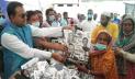 ৬০০ পরিবারের মাঝে ঈদ উপহার বিতরণ করলেন রিপন
