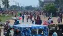 গাজীপুরে সড়ক অবরোধ করে পোশাক শ্রমিকদের বিক্ষোভ