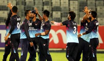 গোল্ডেন ডাক মাহমুদউল্লাহ, ৩৬ রানে হারলো দল