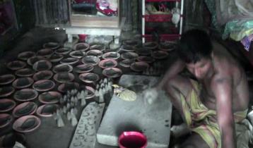 দুর্দিনে গাইবান্ধার কয়েক হাজার মৃৎশিল্পী