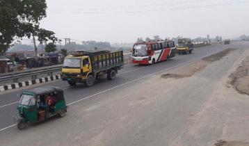 ঢাকা-টাঙ্গাইল-বঙ্গবন্ধু সেতু মহাসড়কে গাড়ির চাপ কম, চলছে দূরপাল্লার যান
