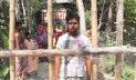 কোটালীপাড়ায় বাঁশের বেড়ায় ৫ পরিবার অবরুদ্ধ