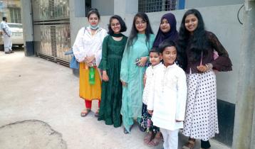 বিনোদনকেন্দ্র বন্ধ, আড্ডা জমেছে পাড়া-মহল্লায়
