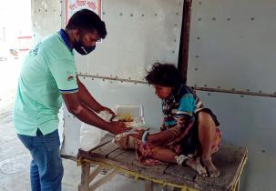 ক্ষুধার্তের পাশে 'জন্মভূমি ক্লাব'