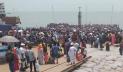 বিজিবি'র চোখ এড়িয়ে শিমুলিয়া ঘাটে যাত্রীদের ঢল
