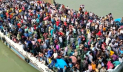 নিষেধাজ্ঞার পরও শিমুলিয়া থেকে ছেড়েছে যাত্রীবোঝাই ফেরি