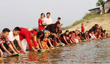 রাঙামাটিতে ফুল ভাসানোর মধ্য দিয়ে বৈসাবী উৎসব শুরু