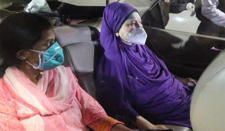 Khaleda Zia admitted to hospital