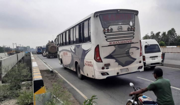 Long-route buses plying on Dhaka-Tangail highway