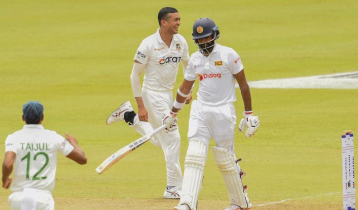 Sri Lanka lose six wickets