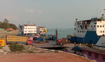 Pressure of vehicles, passengers low at Paturia ferry terminal