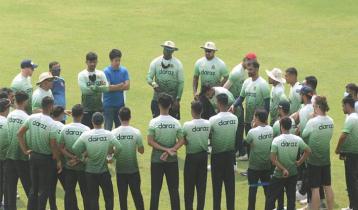 Bangladesh team off to Sri Lanka on chartered plane