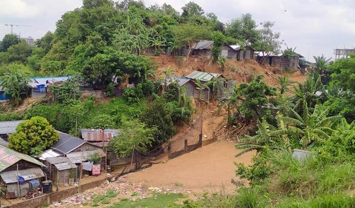 50,000 living at risk of landslide, 19 shelters open