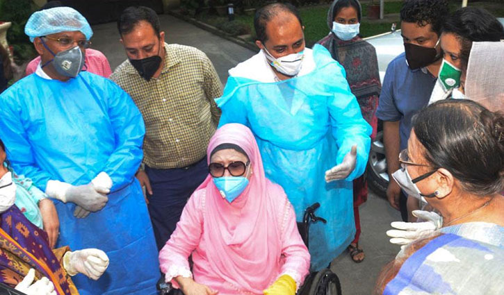 Khaleda Zia's family applies to govt for her treatment abroad