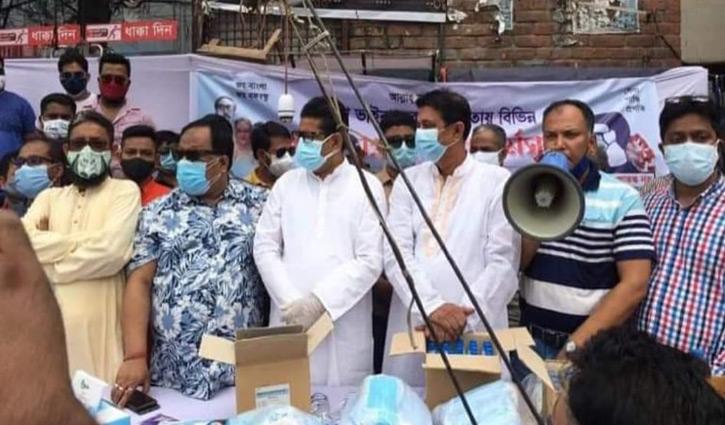 Swechhasebak League distributes mask, sanitizer in city