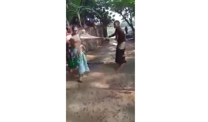 মহিষের জন্য ছেলের বাবাকে নির্যাতন, ভাইরাল ভিডিওতে নিন্দার ঝড়