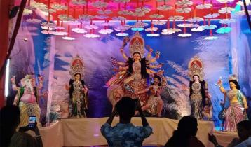 রংপুরে উৎসবমুখর পরিবেশে ৯৫৬ মণ্ডপে চলছে দুর্গোৎসব