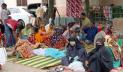 ঠাকুরগাঁওয়ে শিশুদের চিকিৎসা হচ্ছে গাছতলায়