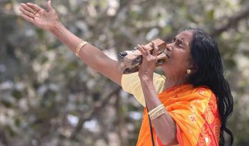 গান গাইতে পারছেন না কাঙালিনী সুফিয়া