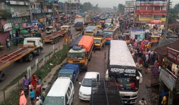 ঢাকা-টাঙ্গাইল-বঙ্গবন্ধু সেতু মহাসড়কে ১৫ কিলোমিটার যানজট, ভোগান্তি