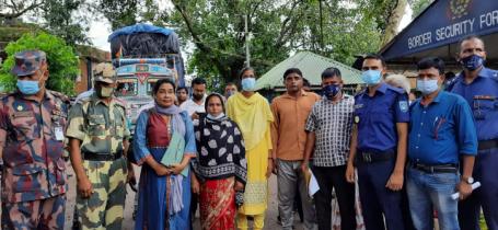 কারাভোগ শেষে দেশে ফিরলেন তিন ভারতীয় নাগরিক