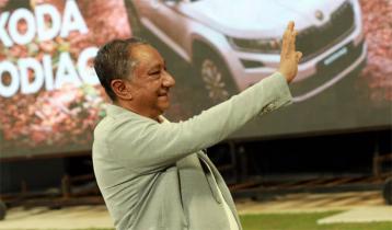 বিসিবি নির্বাচন: মনোনয়ন পত্র কিনলেন নাজমুল হাসান